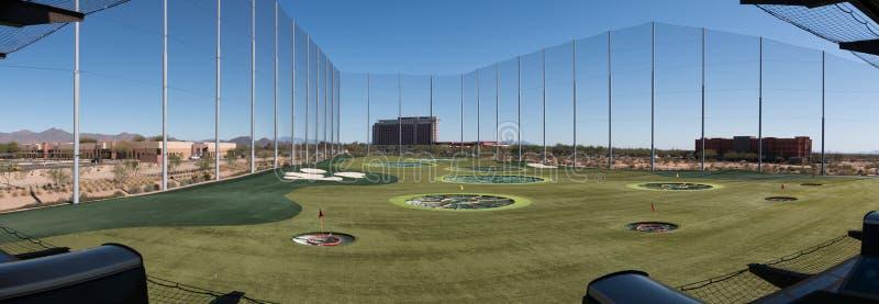 Champ d'exercice à multiniveaux de golf images libres de droits