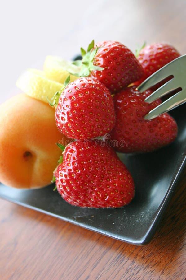 Champ de cablage à couches multiples de fruit frais images stock