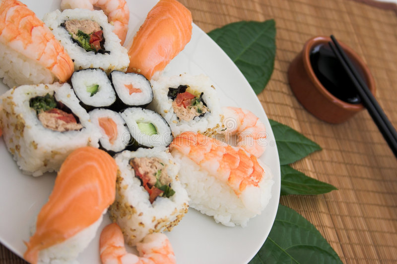 Champ de cablage à couches multiples de sushi photographie stock