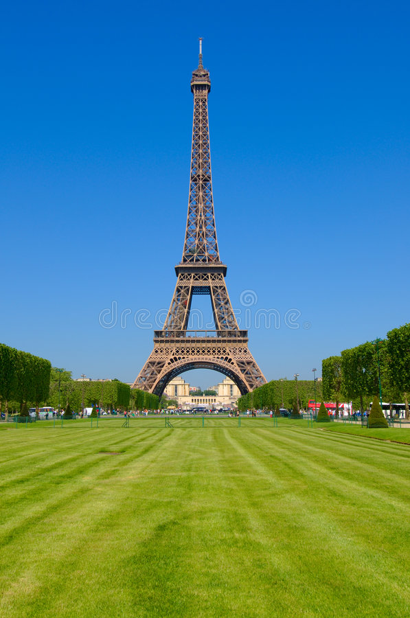 Download Champ De Eiffel Endommage La Tour Image stock - Image du landmark, construction: 8654913