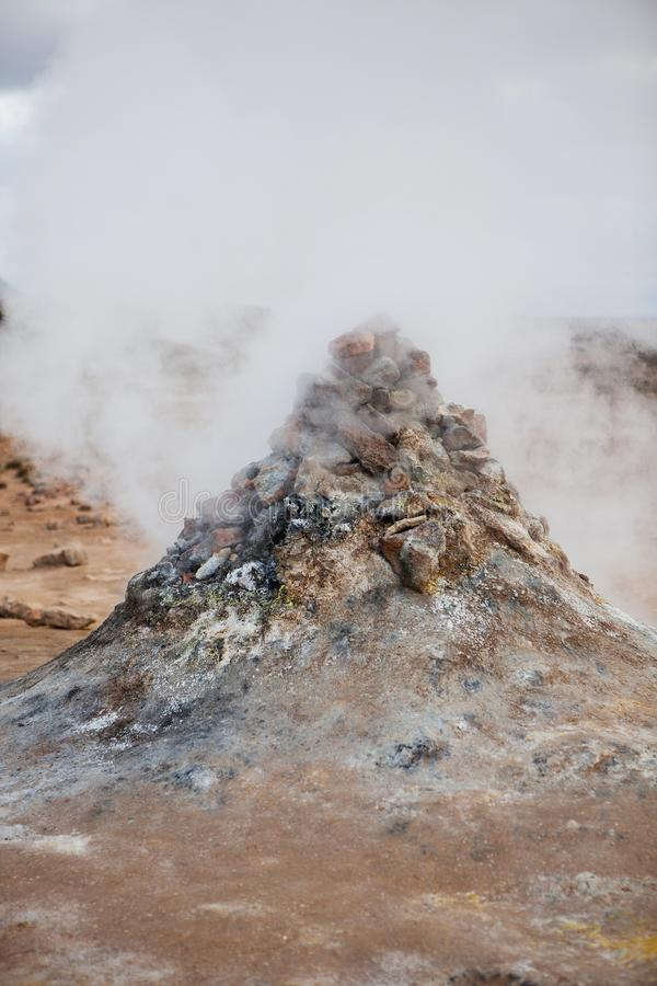 Champ de fumerolle dans la région géothermique de Namafjall photos libres de droits