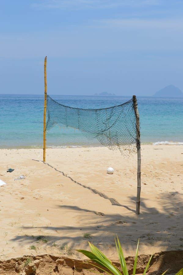 Champ de volleyball à la plage photos stock