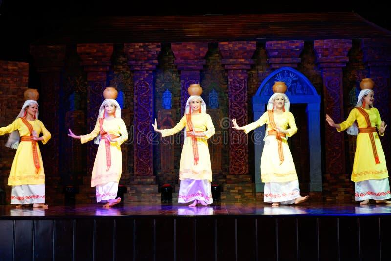 Champa kultura, kobieta tancerze, Tradycyjnego tana przedstawienie, Mój syna sanktuarium, Wietnam obrazy stock