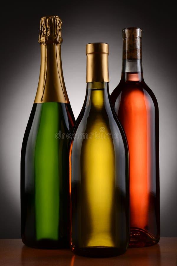 Champagne Chardonnay en bloost Wijnflessen royalty-vrije stock foto's