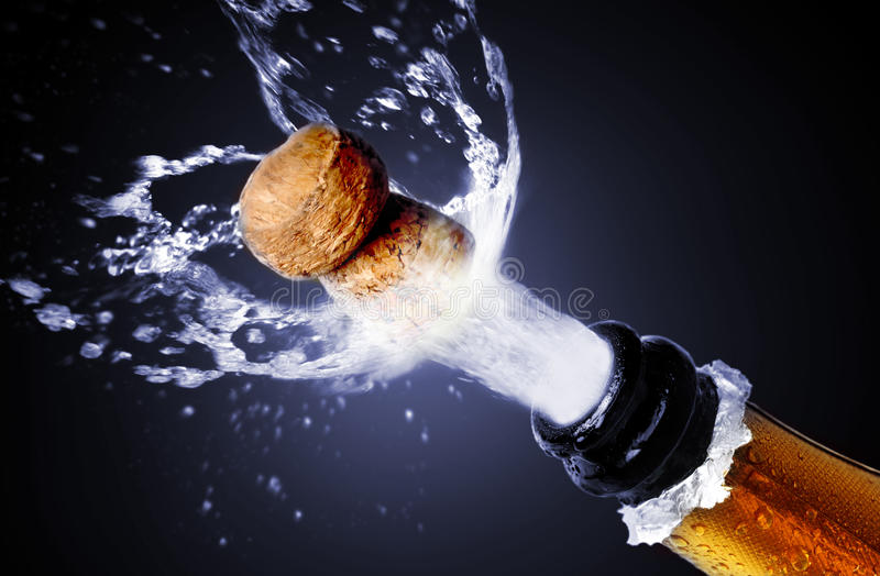 Champagne-cork het knallen royalty-vrije stock foto