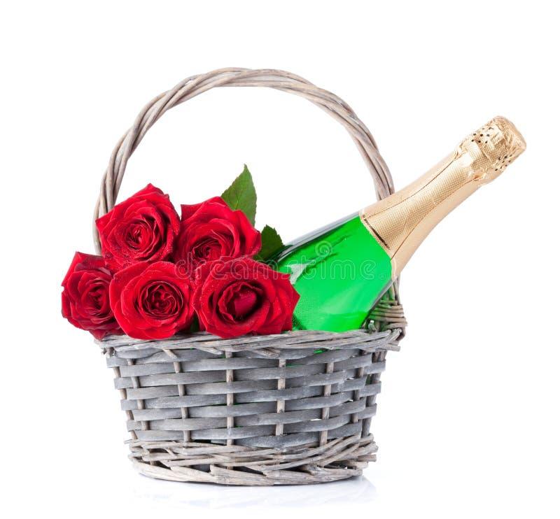 Champagne e flores cor-de-rosa imagem de stock royalty free