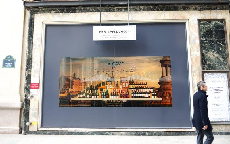 Champagne en Wijnen de Showcase Parijs van Printemps Haussmann royalty-vrije stock afbeeldingen
