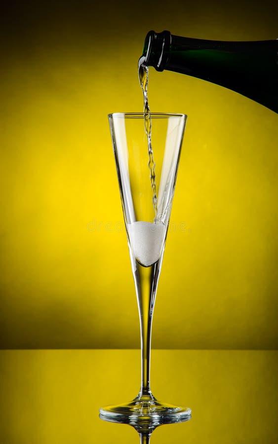 Champagne-Flüsse lizenzfreie stockfotografie
