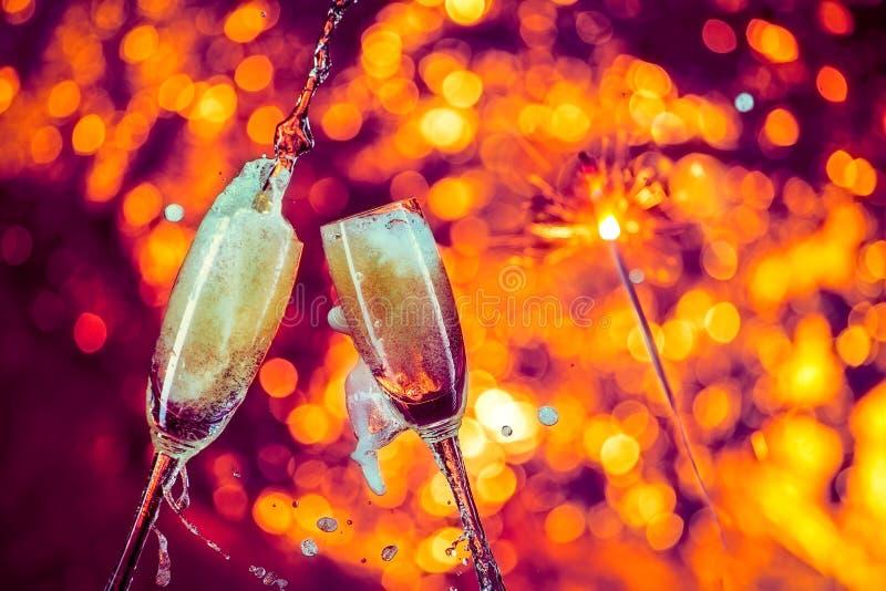 Champagne, fondo del nero di vetro di vino fotografie stock