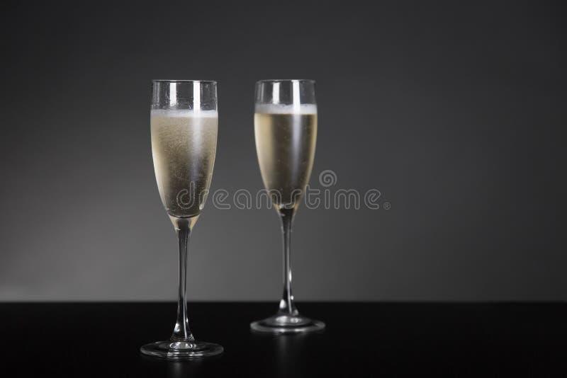 Champagne-Gläser für neues Jahr und Feiertage stockfoto
