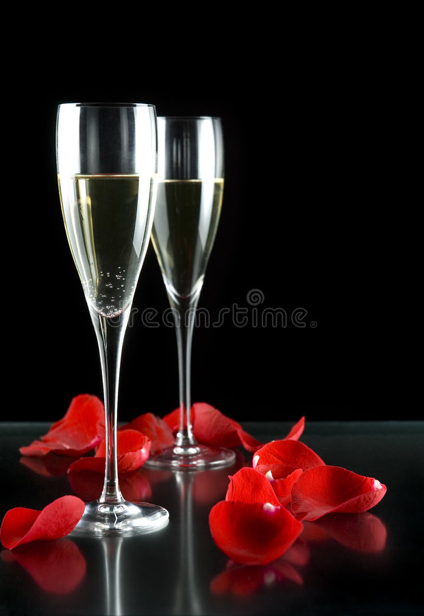 Free Champagne Glasses And Petals Royalty Free Stock Image - 5194036
