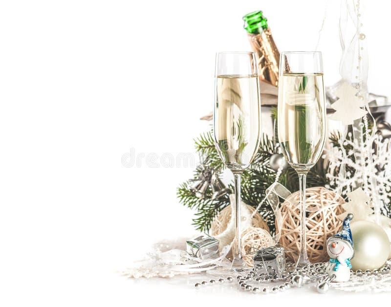 Champagne Glasses com Natal/ano novo foto de stock