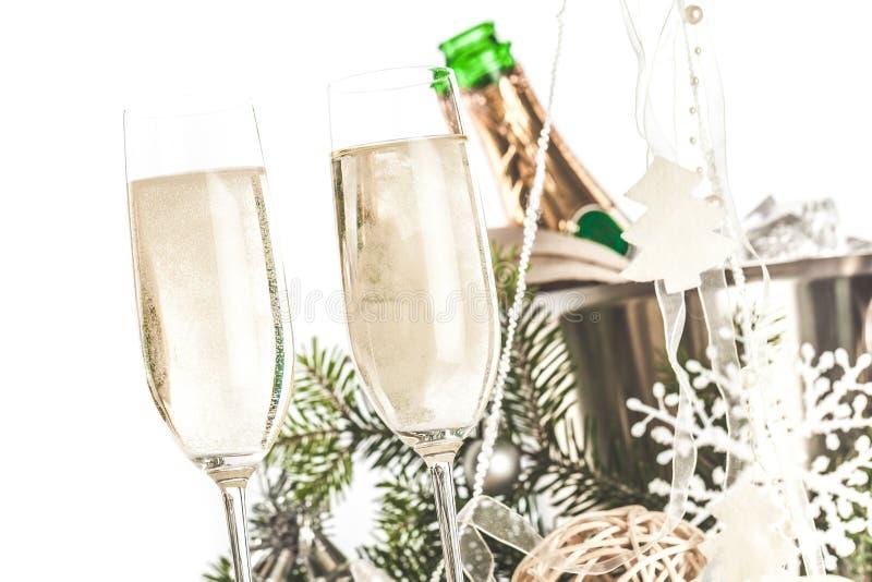 Champagne Glasses com Natal/ano novo imagem de stock royalty free