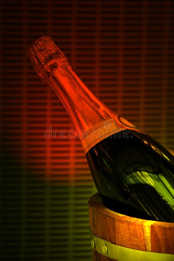 Champagne im Eimer stockfotografie