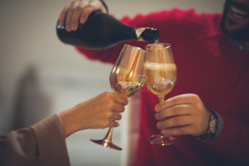 Champagne ist für Feier lizenzfreie stockbilder