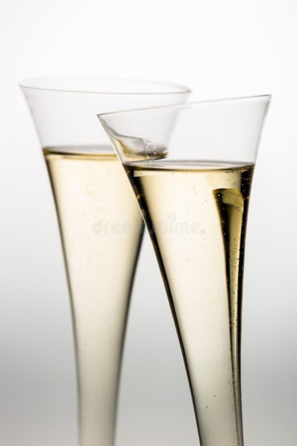 Champagne oder Sekt im Champagnerglas stockfotografie