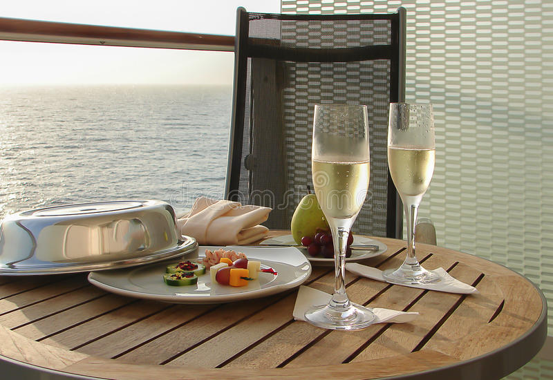 Champagne op cruise royalty-vrije stock foto