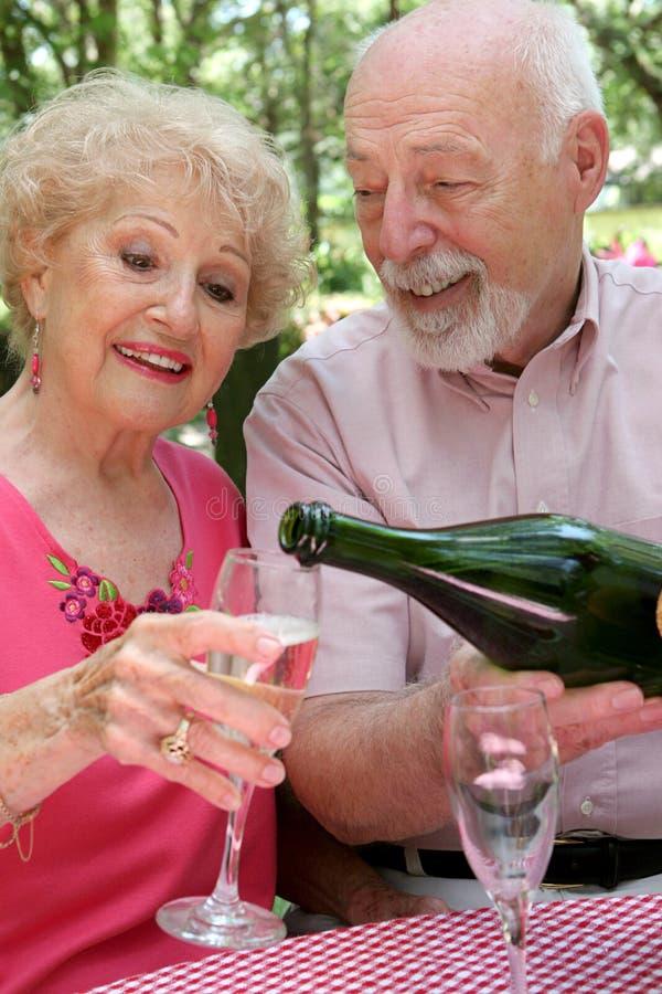 Champagne per lei fotografia stock