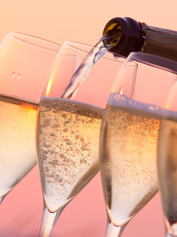 Champagne Pouring photos libres de droits