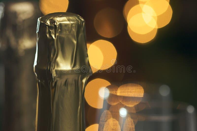 Champagne-Stutzen mit undeutlichen Leuchten stockfoto
