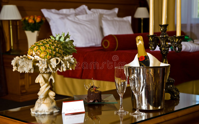 Champagne und Gläser stockbilder