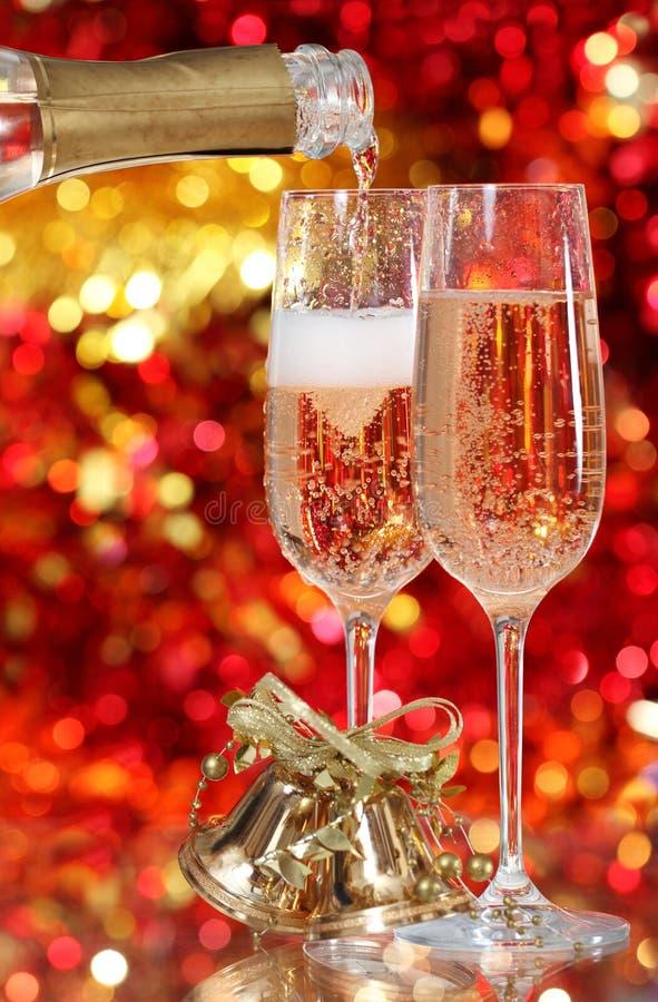 Champagne in zwei Gläsern stockfotografie