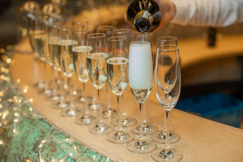 Champagnergläser für Hochzeiten oder Geburtstage lizenzfreie stockfotografie