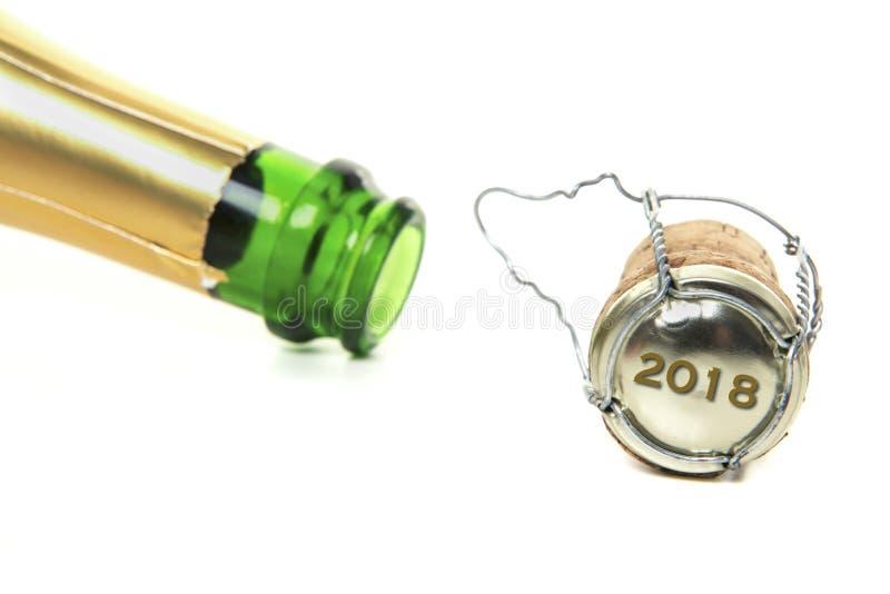 Champaign korek z nowym rokiem 2018 na korku i butelka i zdjęcie stock