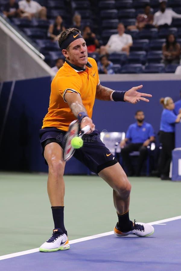 Champion Juan Martin Del Potro de Grand Chelem de l'Argentine dans l'action pendant son premier match 2018 de rond d'US Open photos stock