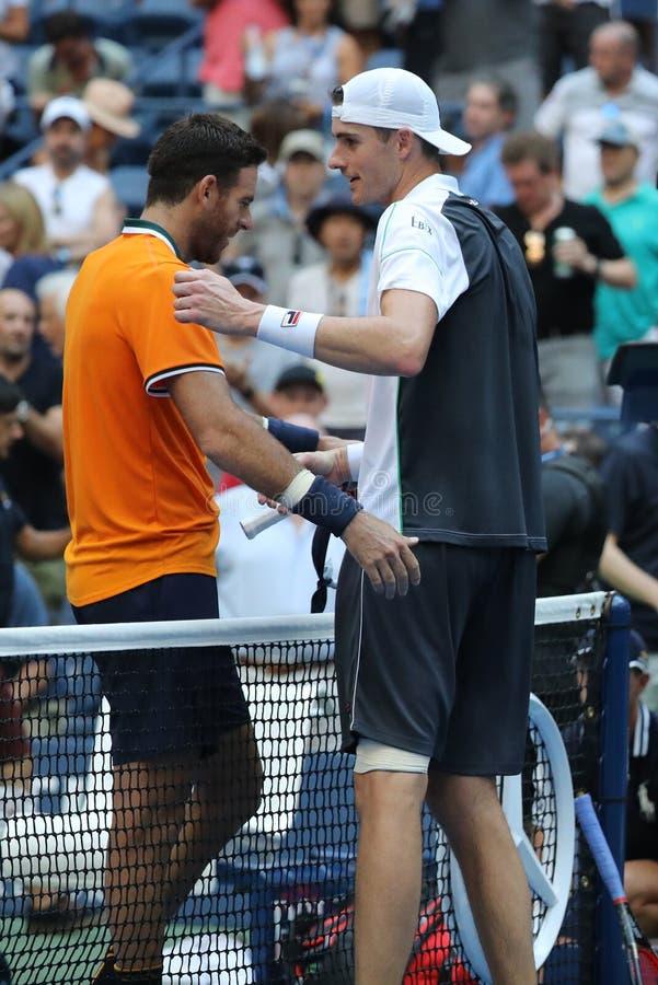 Champion Juan Martin Del Potro L de Grand Chelem et match de quart de finale d'US Open de John Isner après 2018 au centre nationa photo stock