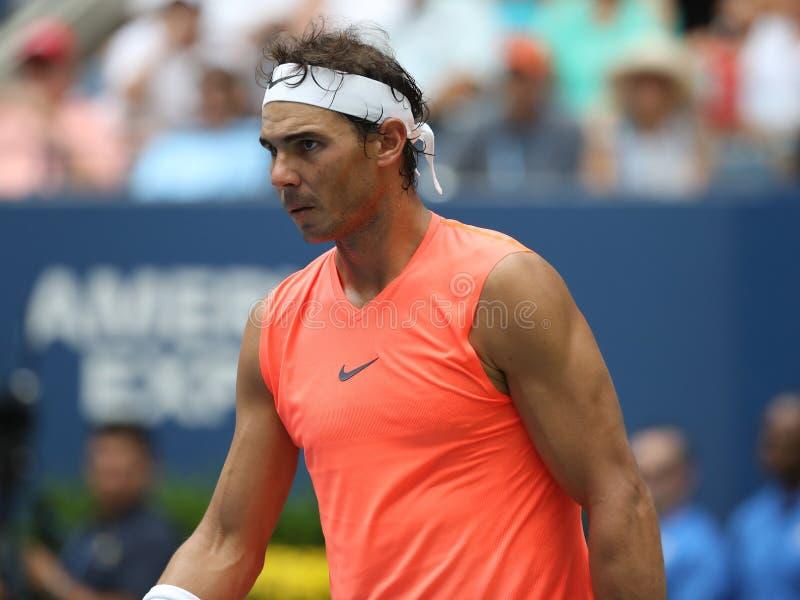 champion Rafael Nadal du Grand Chelem 17-time de l'Espagne dans l'action pendant son rond 2018 d'US Open du match 16 photographie stock