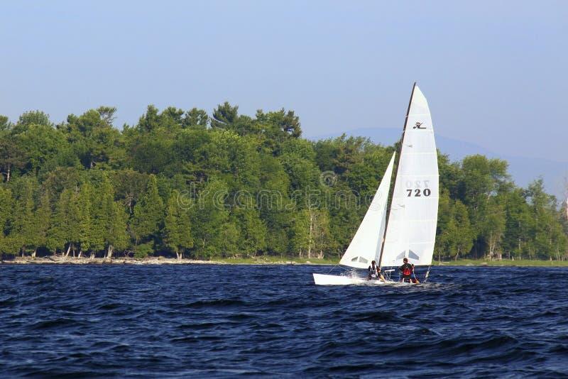 champlain wyspy jezioro z żeglowania valcour zdjęcie royalty free