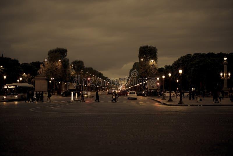 Champs-à ‰ lysées bij nacht royalty-vrije stock foto