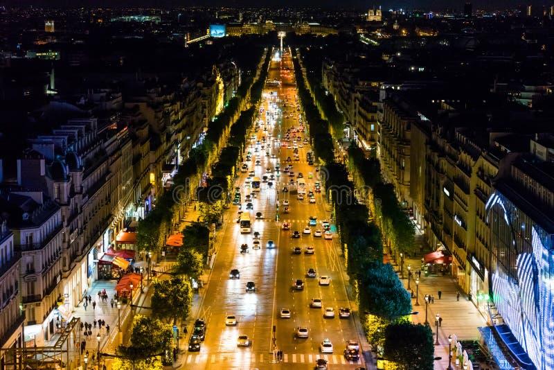 Champs-Elysees на заходе солнца стоковое изображение