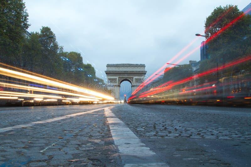Champs Elysees en Arc DE Triumph in Parijs, Frankrijk royalty-vrije stock foto