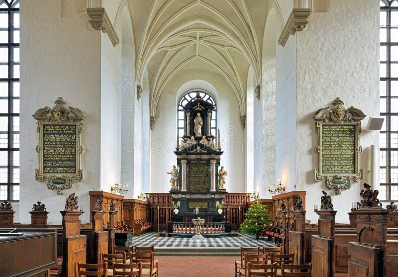 Chancel i ołtarz kościół Święta trójca w Kristianstad, Szwecja obrazy stock