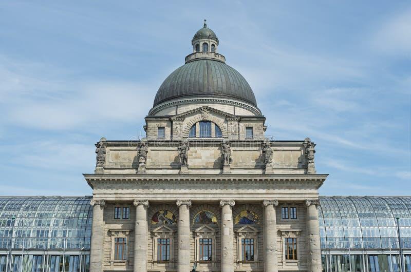 A chancelaria do estado de Munich em Baviera foto de stock royalty free