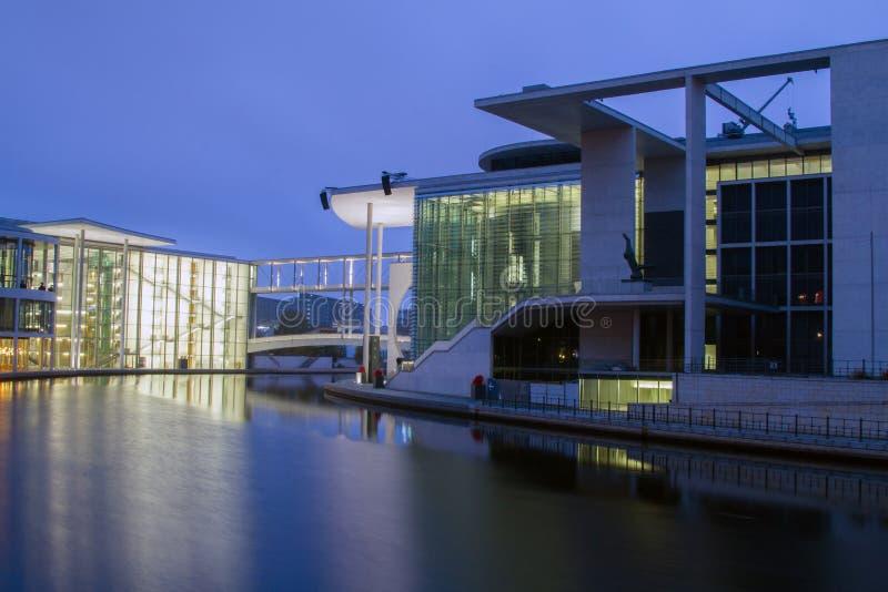Chancellerie allemande (Bundeskanzleramt) à Berlin image stock