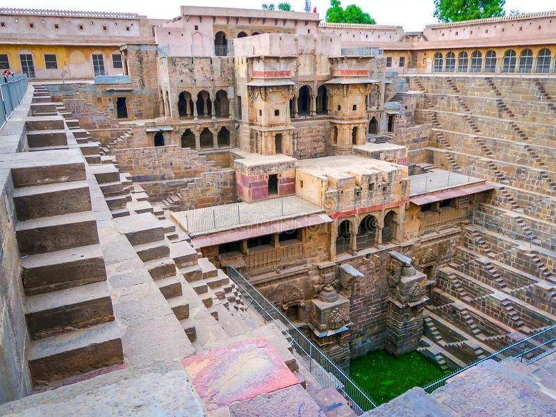 Chand Baori Stepwell, Jaipur, Rajasthan, Índia fotos de stock