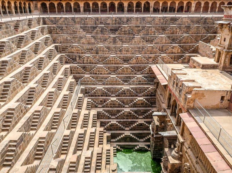 Chand Baori Stepwell, Jaipur, Rajasthan, Índia fotos de stock royalty free