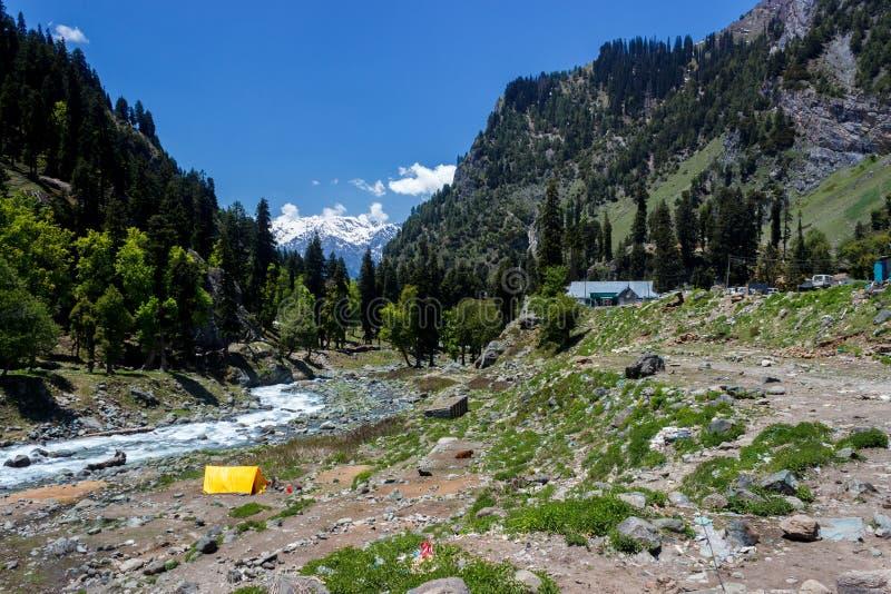 Chandanwari, rota do yatra de Amarnath, Kashmir, Índia fotografia de stock royalty free