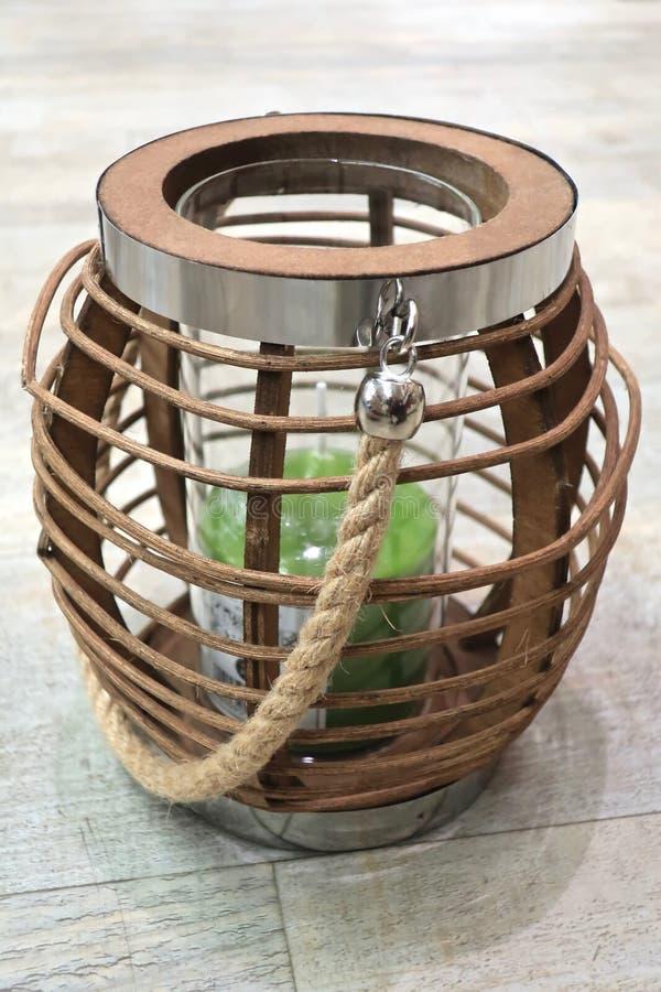 Chandelier décoratif fait de bois naturel photos libres de droits