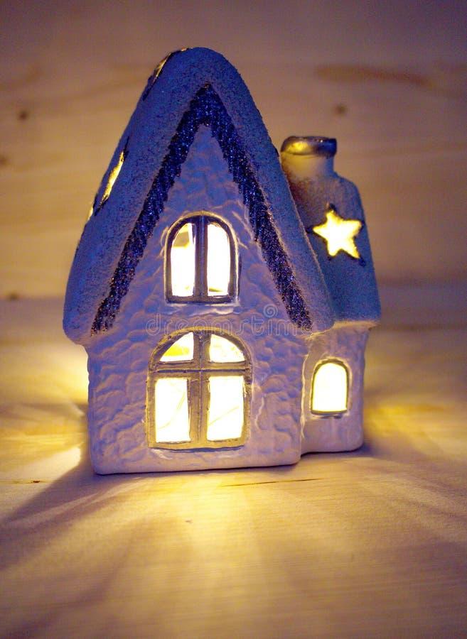 Chandelier de maison de Noël images libres de droits