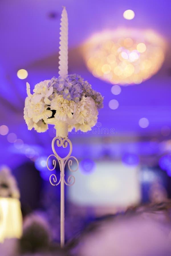 Chandelier de mariage images stock