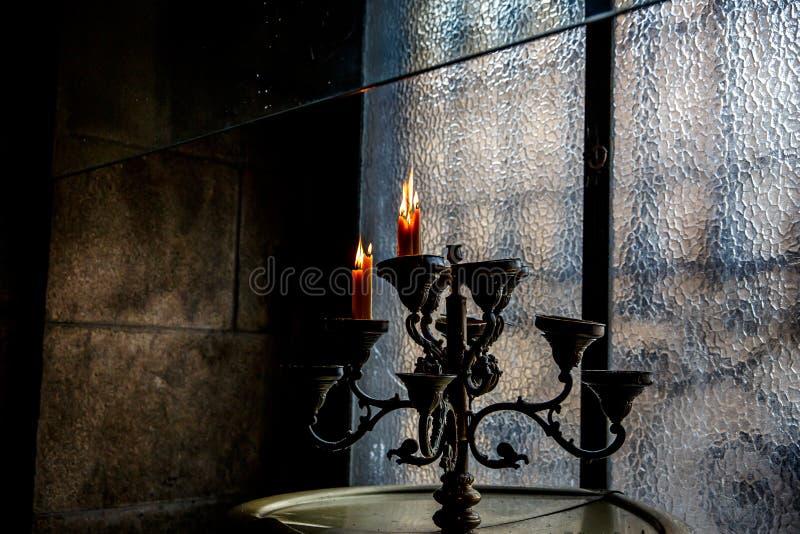 Chandelier de vintage avec des bougies photo stock
