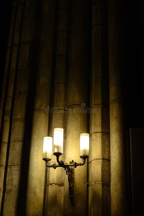 Chandeliers de lampes de gaz de vintage le château images libres de droits