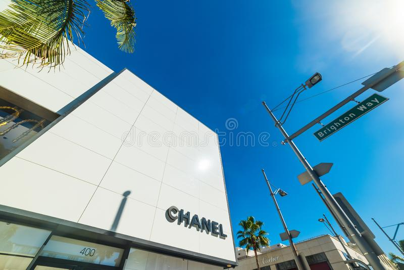 Chanel och Cartier undertecknar in Rodeo Drive i Beverly Hills royaltyfria bilder