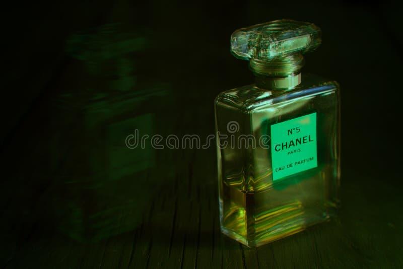 Chanel parfum fotografering för bildbyråer