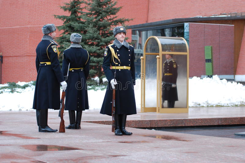 Change of the guard of honour. At the Tomb of the Unknown Soldier at the walls of the Kremlin in Russia, Moscow stock image