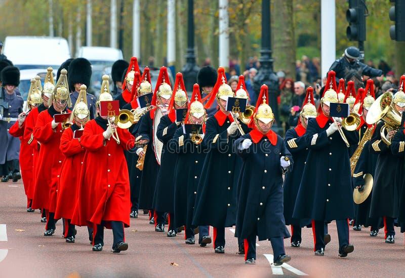 Changement de la garde dans le Buckingham Palace photo libre de droits